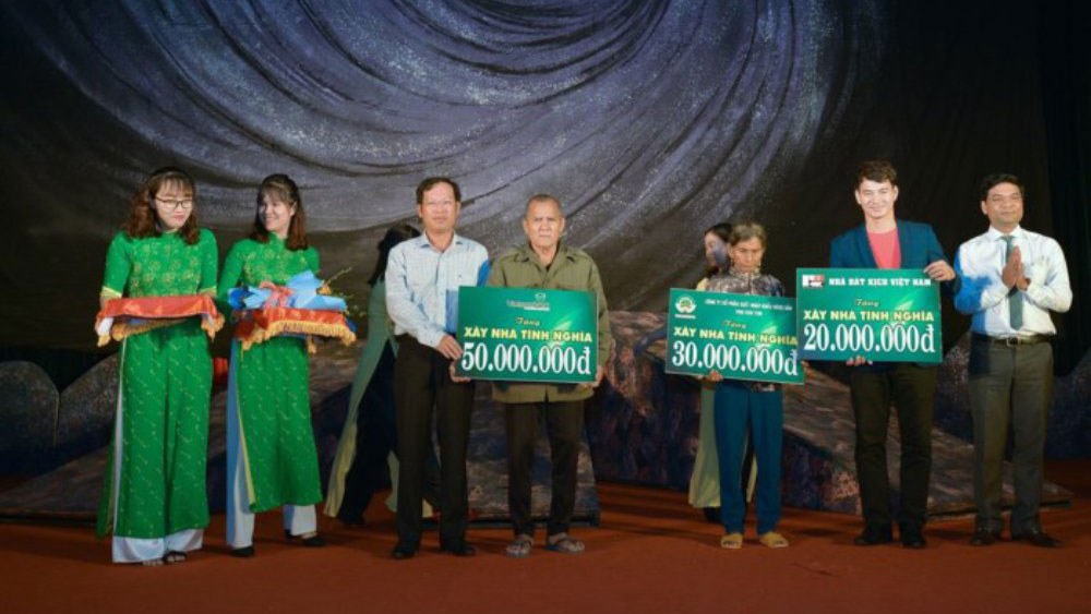 Nhà hát kịch Việt Nam kết thúc chuyến lưu diễn thành công